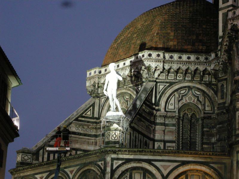 Firenze, Galleria dell'Accademia: guasto all'aria condizionata. Malori per vedere il David