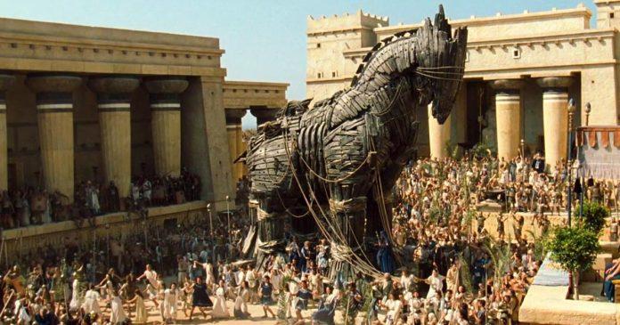 Cavallo di Troia non è mai esistito: scoperto errore di traduzione nell'Odissea