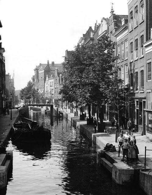 4a80218cbd3e 23 Fotografie mostrano i Villaggi tradizionali dei Paesi Bassi nel ...