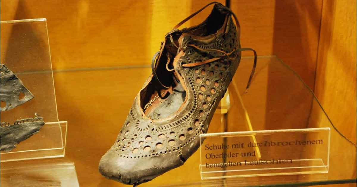 new arrival 6fddf 4ab1f La Scarpa di Saalburg: Moda Donna dell'Impero Romano 2.000 ...