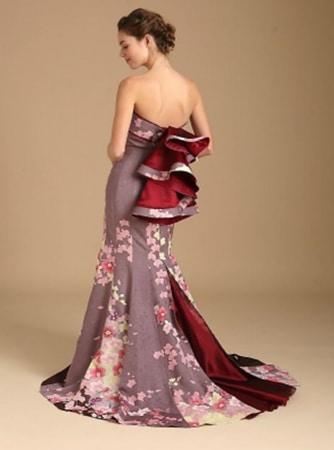 Vestiti Da Sposa Giapponesi.Antichi Kimono Giapponesi Vengono Trasformati In Moderni Abiti Da